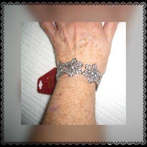 ☃️Bling Embellished Silvertone Snowflake Bracelet